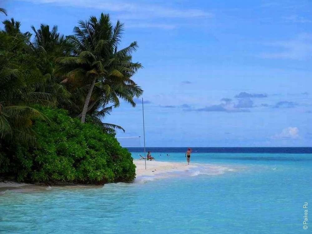Люди на отдыхе на Мальдивах