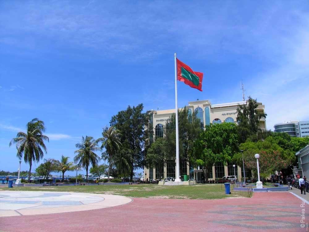 Флаг на площади
