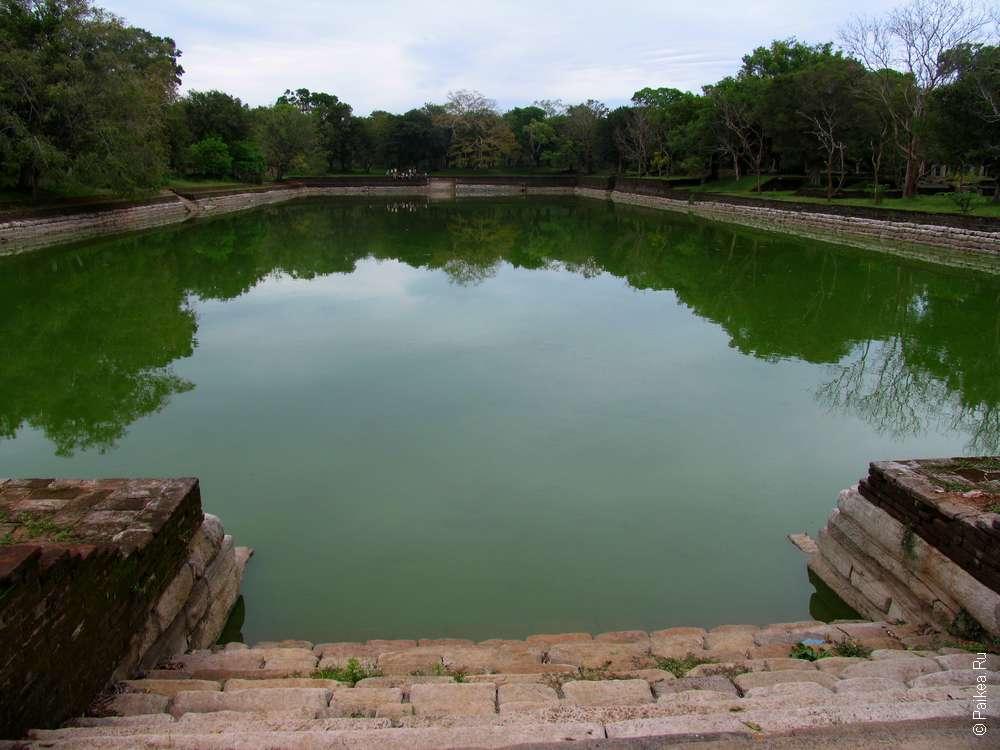 Бассейн Виджаябаху, Анурадхапура