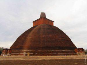 Самостоятельно в Шри-Ланку - дагоба в Анурадхапуре