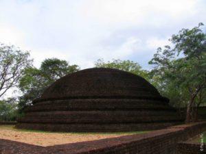 Дагоба Полоннарува Шри-Ланка