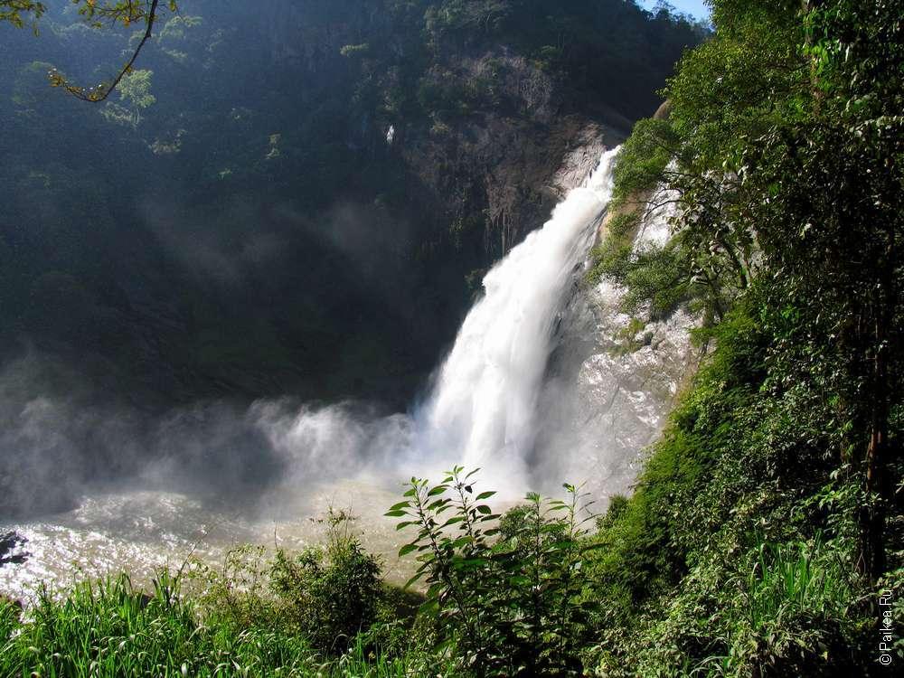 Водопад Дунхинда в утренних лучах