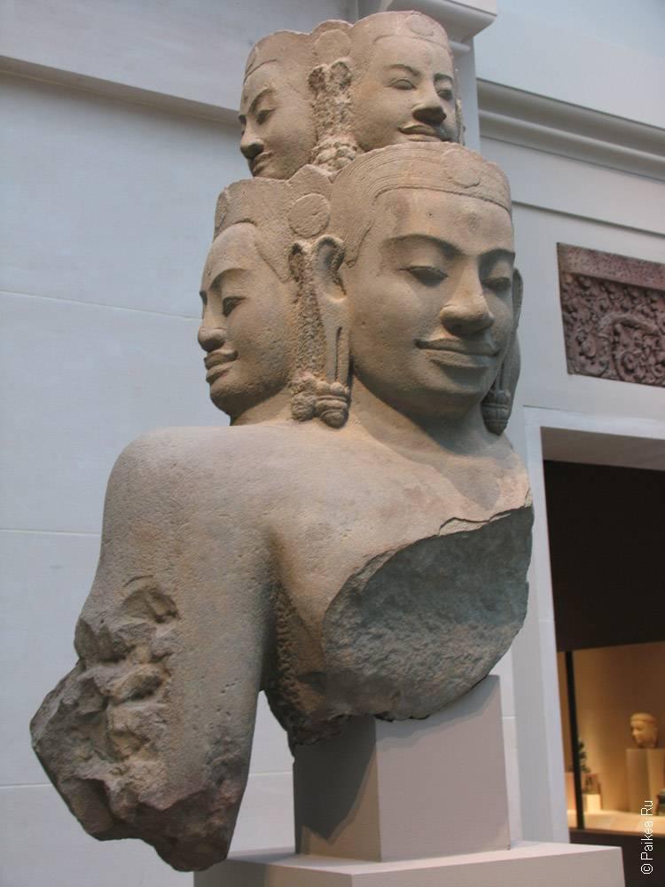 статуя многоликого будды
