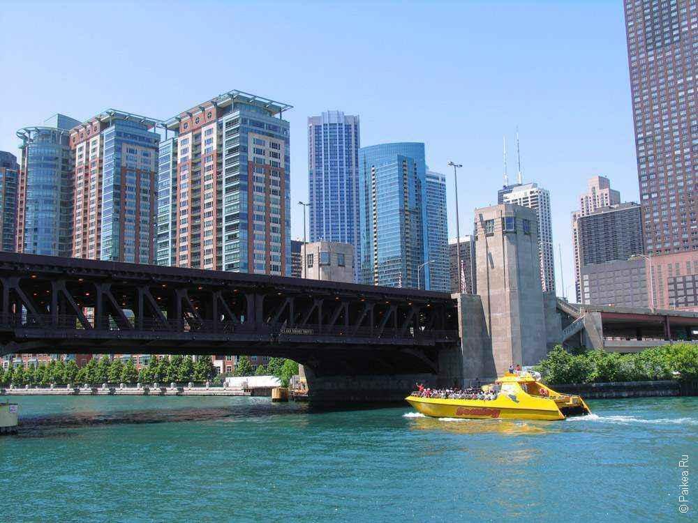 Чикаго мост через реку в городе