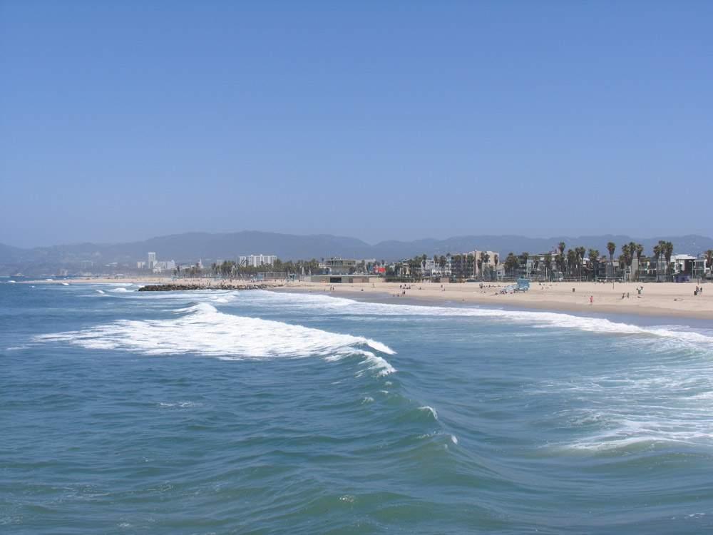 венис бич на побережье тихого океана