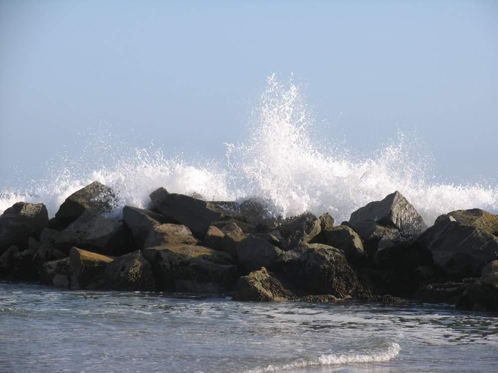 красивые брызги волн