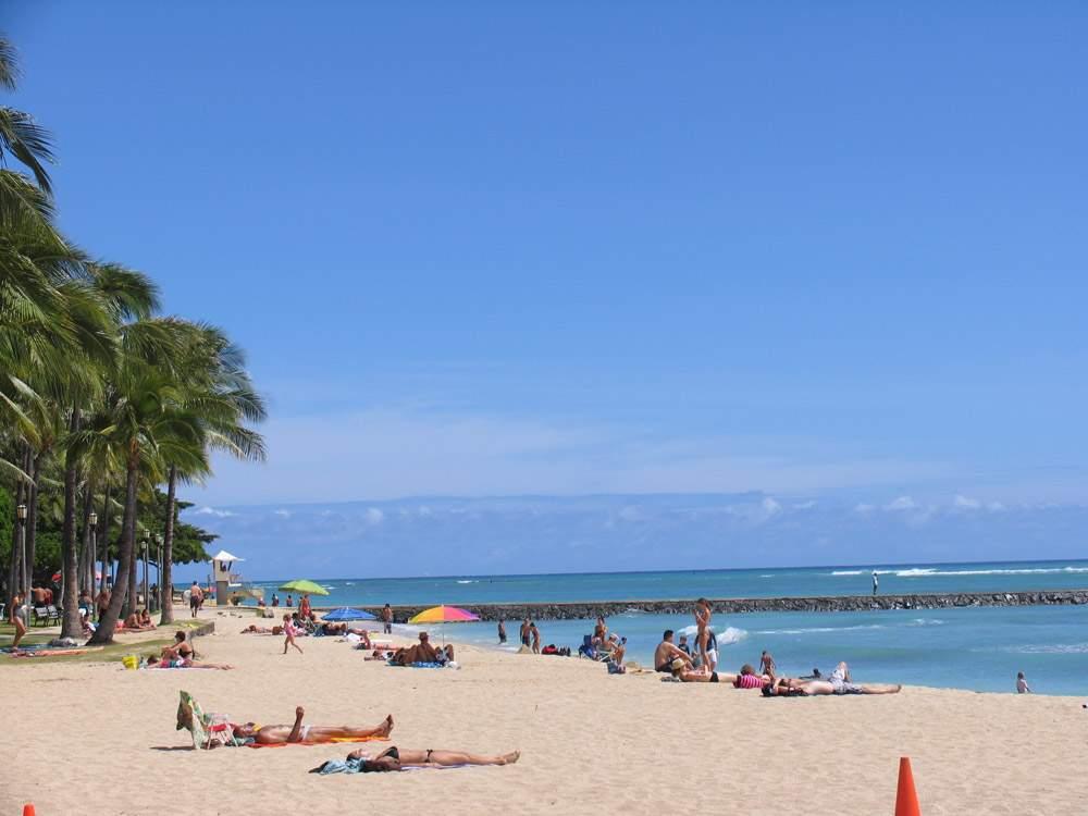 пляж вайкики гавайи