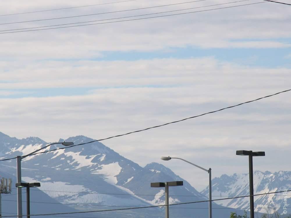 снежные горы на аляске в сша