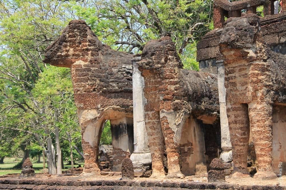 Таиланд -Ват Чанг Лом в Си Сатчаналай, Таиланд Си Сатчаналай - Ват Чанг Лом (Thailand - Si Satchanalai - Wat Chang Lom)