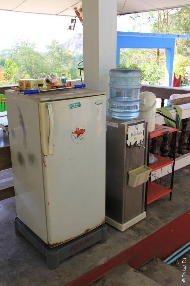Холодильник и кулер с водой
