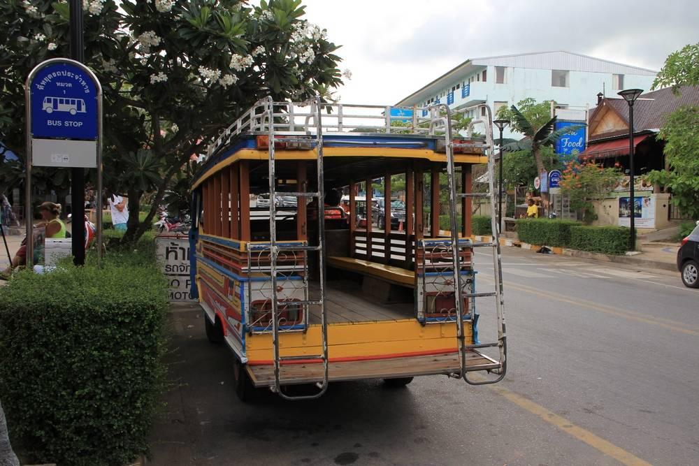 деревянный автобус в таиланде