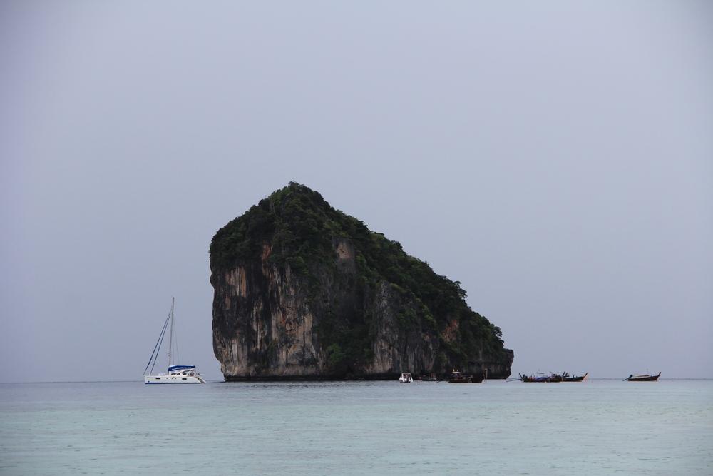 Скала в Андаманском море
