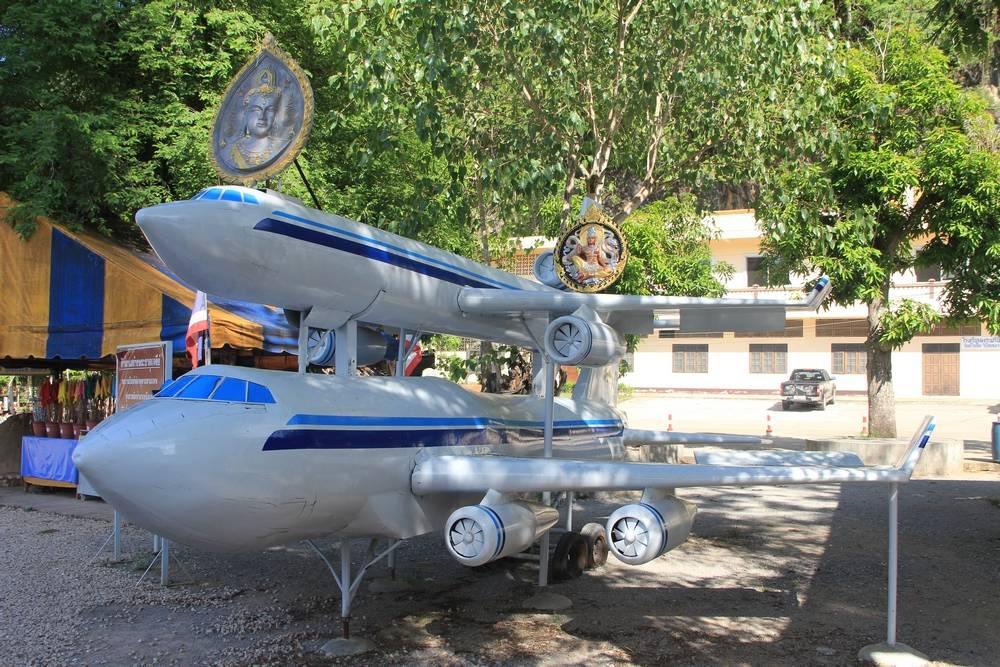 Макет два самолета
