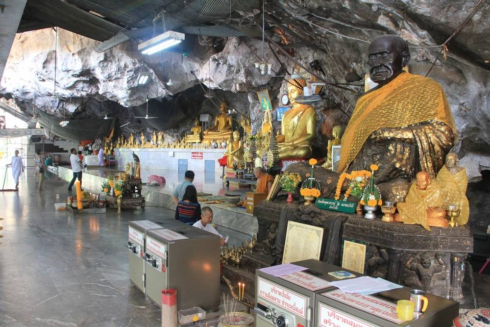 храм пещеры тигра в таиланде