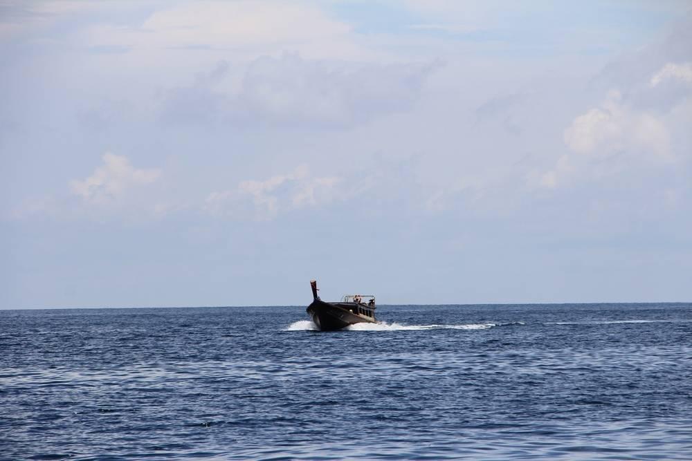 экскурсия на лодке в море
