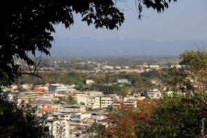 С высоты храма можно увидеть весь Ме Сай