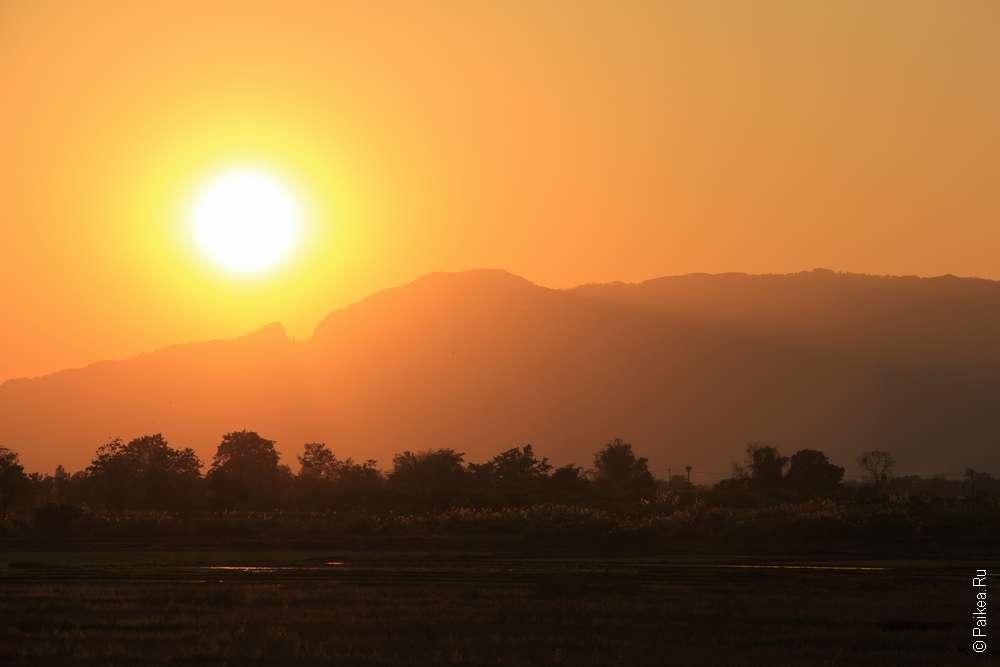 Закат рядом с Ме Сай