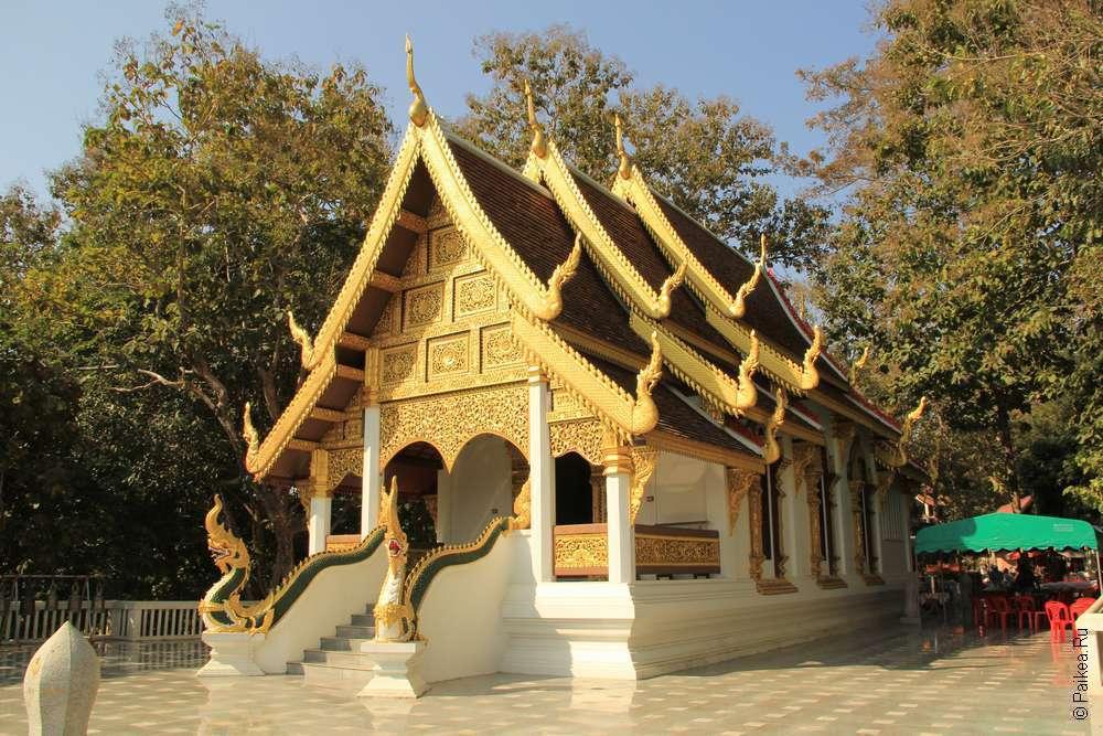 Чианг Саен Ват Чом Чоенг