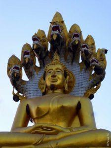 Сатуя Будды в Ват Татон