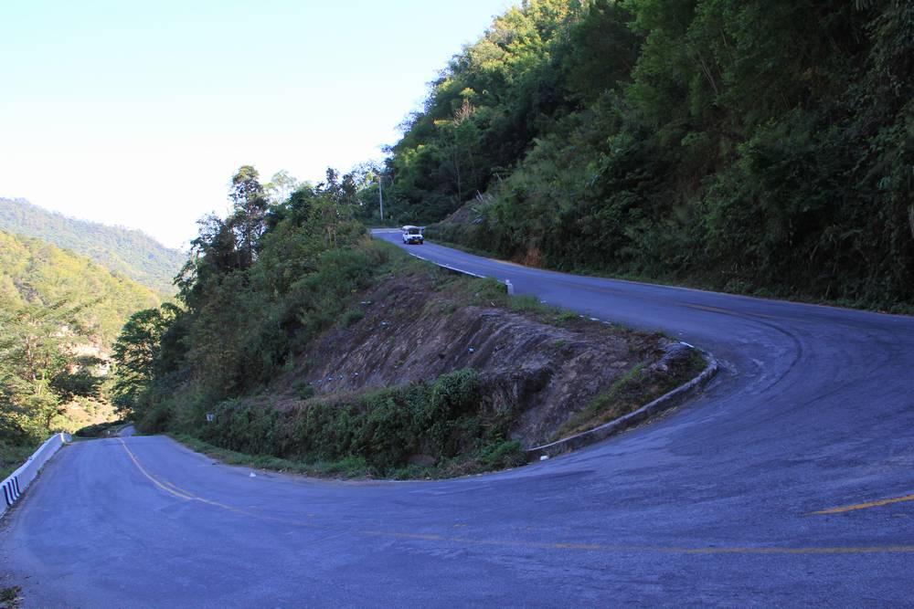 сложная и опасная дорога