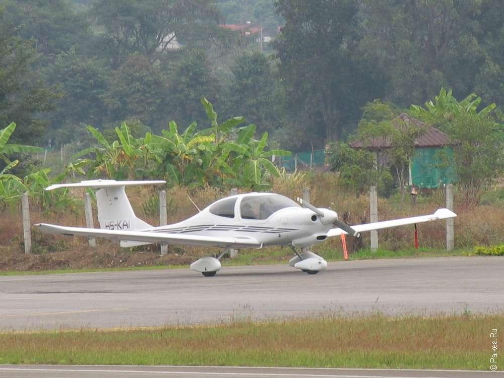 маленький частный самолет