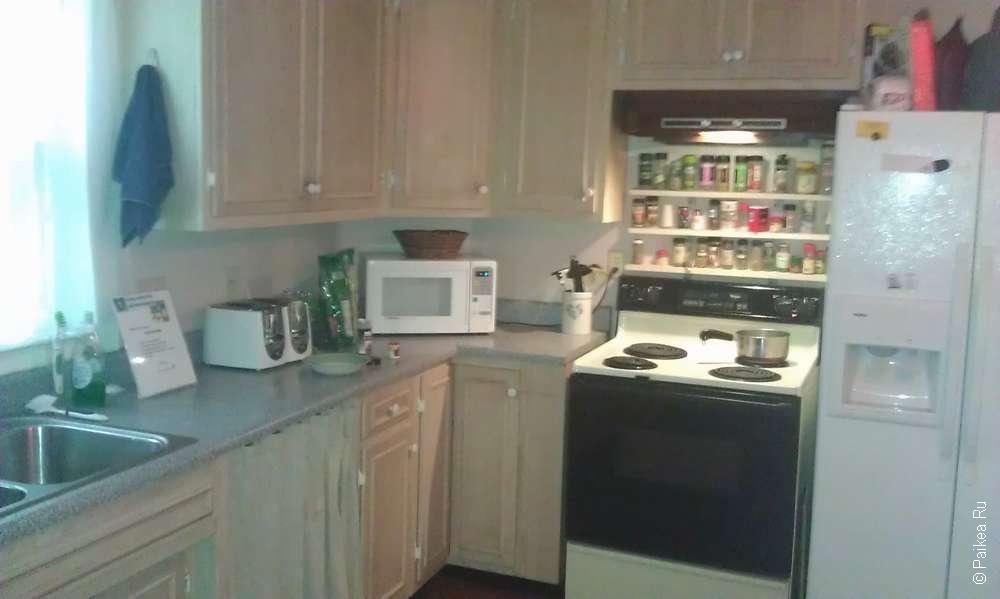 кухня в хостеле