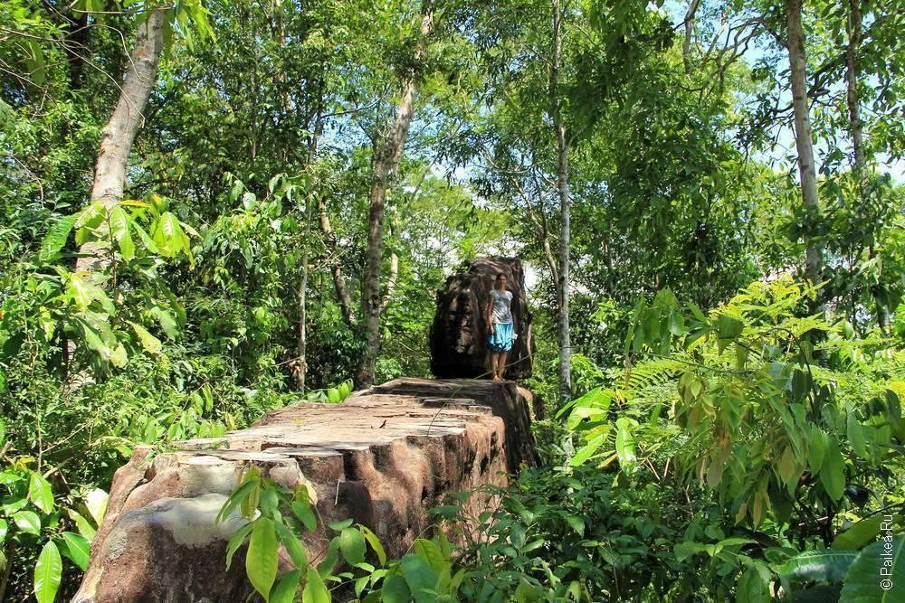 Это поистине циклопическая кладка, которую возвели древние жители Лаоса!