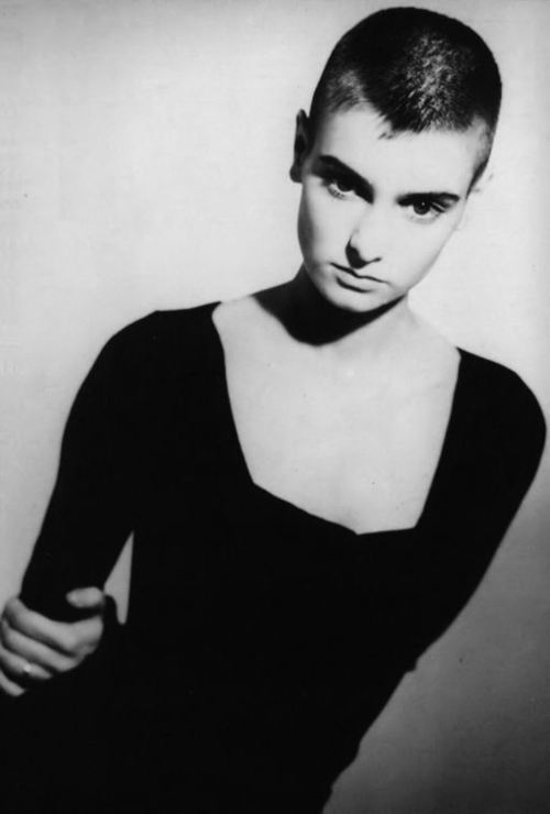 Sinéad O'Connor black and white photo