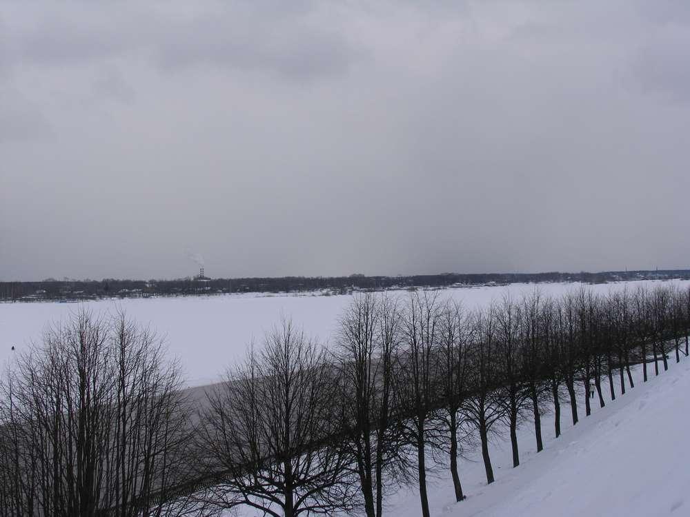 Скованная в лед Волга