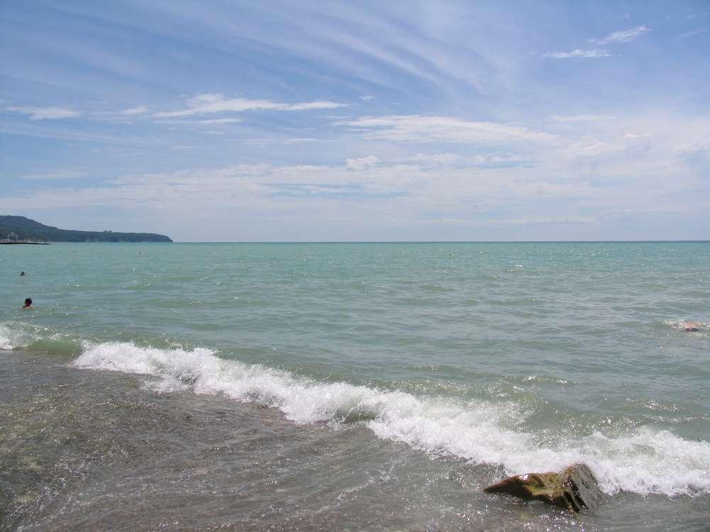 Каменистый берег черного моря