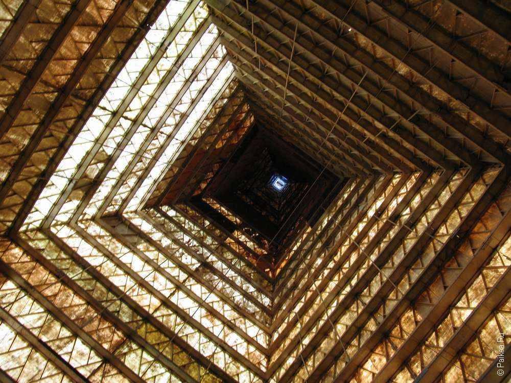 Фото внутри пирамиды