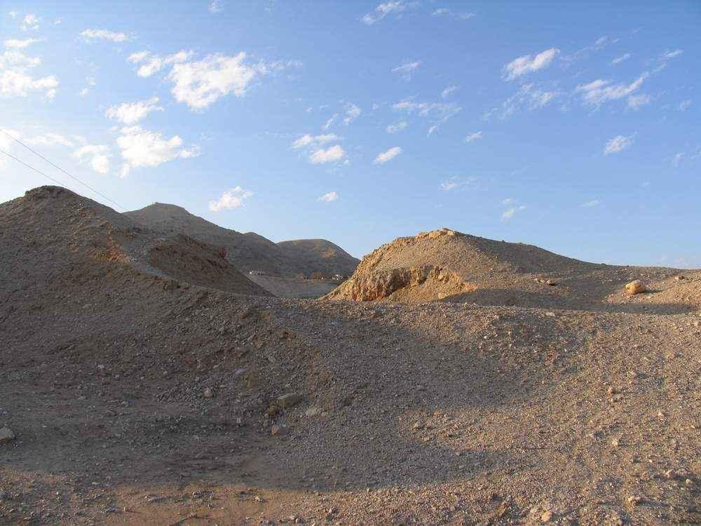 Стены Иерихона погребены в кургане