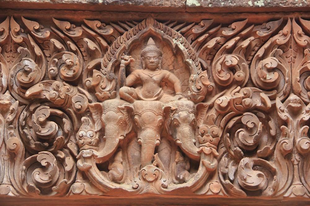 Пример изысканной резьбы в Ват пу, лаос. Такая же встречается в оформлении храма Бантей Срей в Камбодже