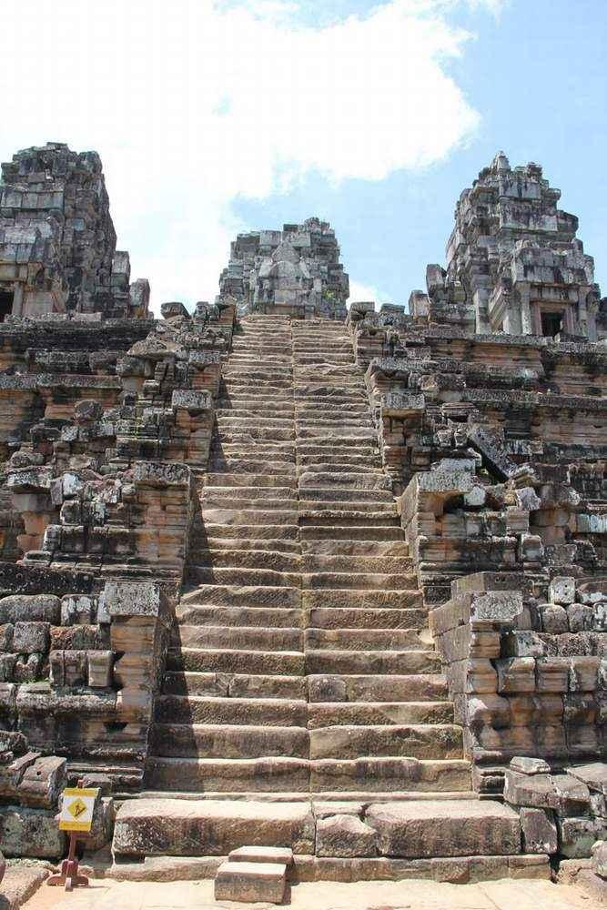 Величавая лестница в небо, храм Пре Руп, Камбоджа