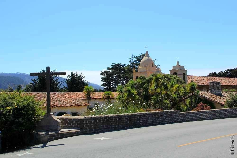 Вид на миссию с дороги
