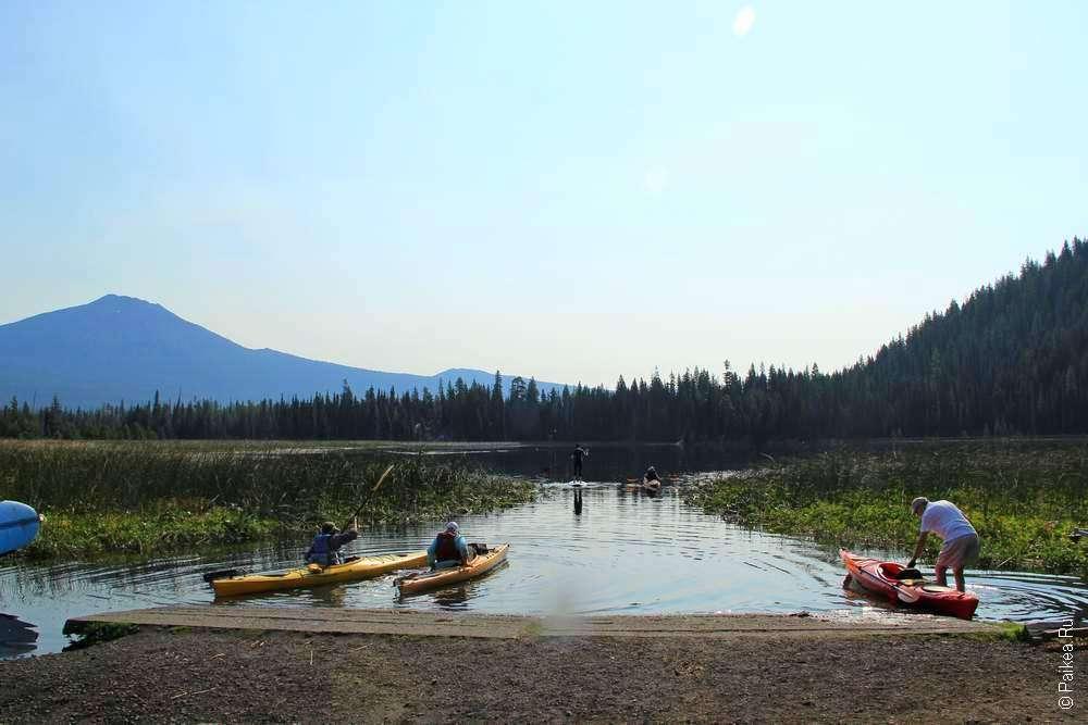 Каяки на озере