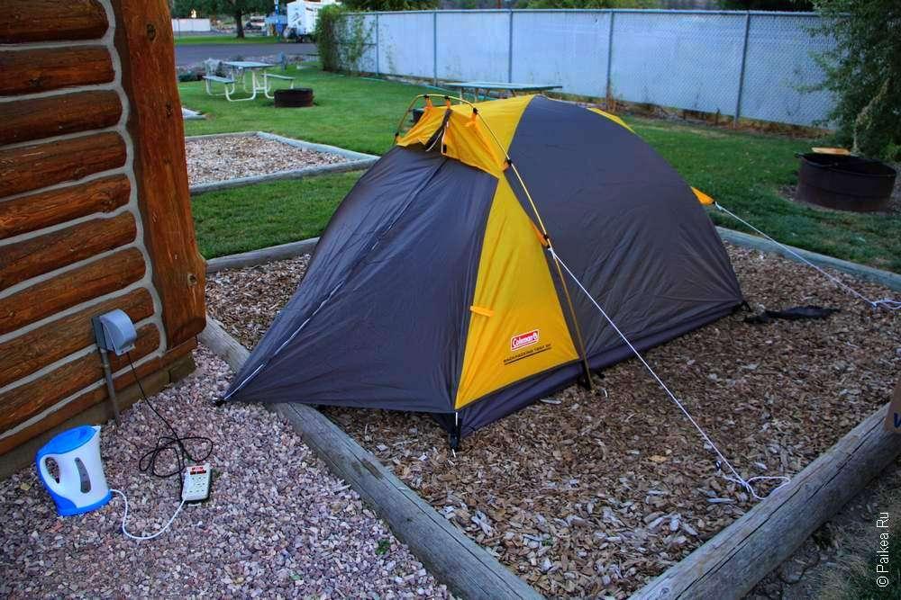 Двухместная палатка в кемпинге в Орегоне