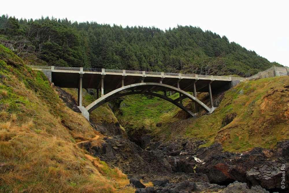 Мост через горный ручей