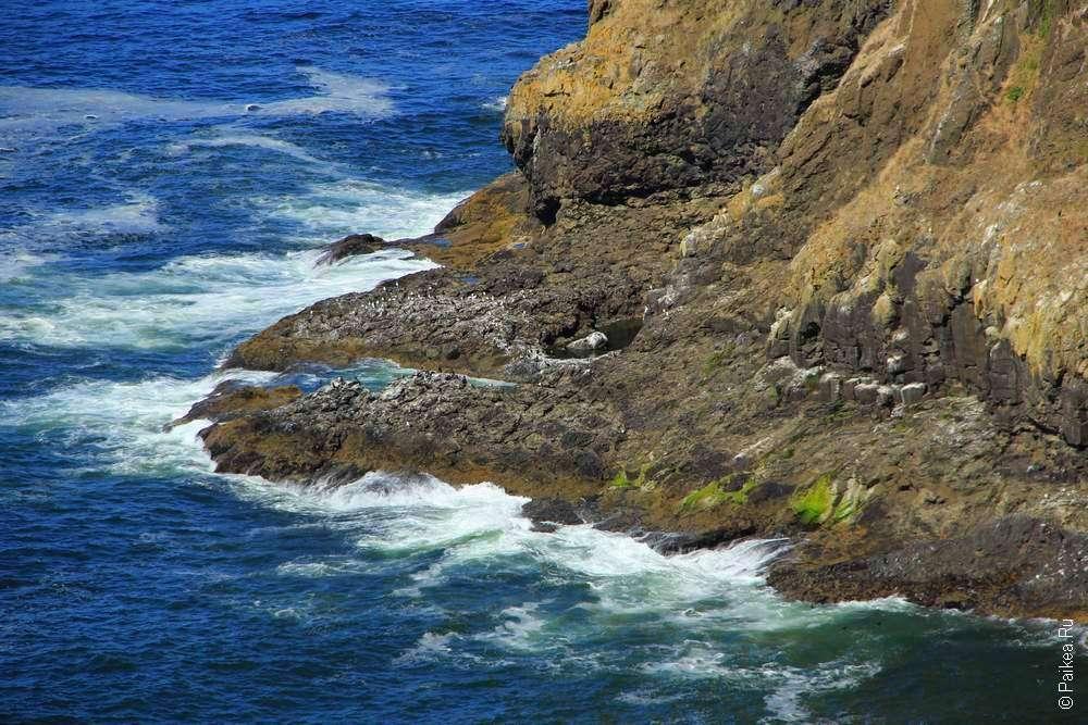Скалистый берег у мыса Меарес