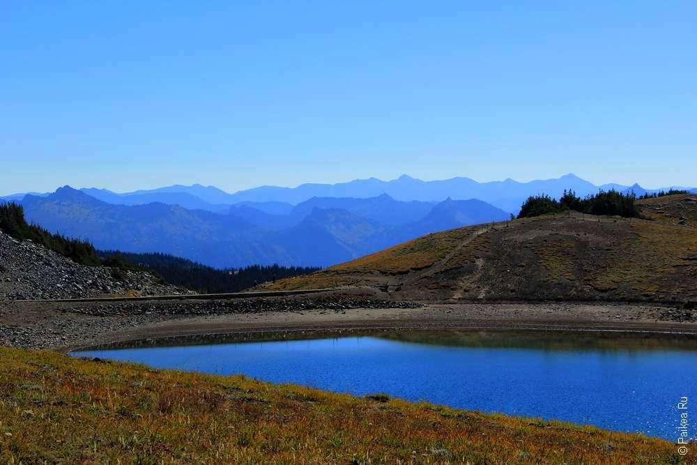 треккинг в горах - горный пейзаж