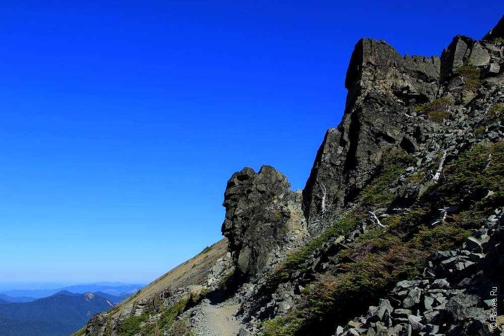 пеший маршрут в горы на фото