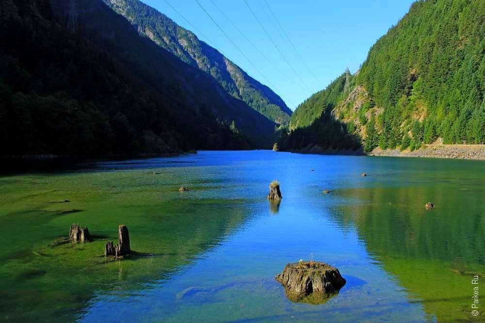 Озеро в горах Вашингтона