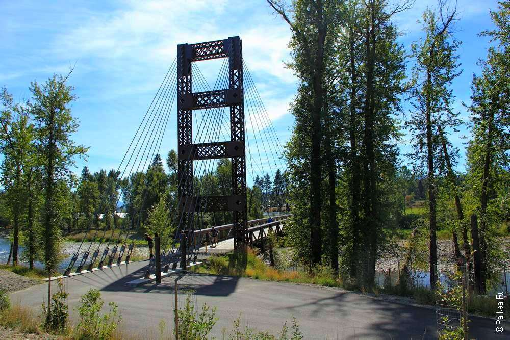 Дорога по штату Вашингтон - мост через реку