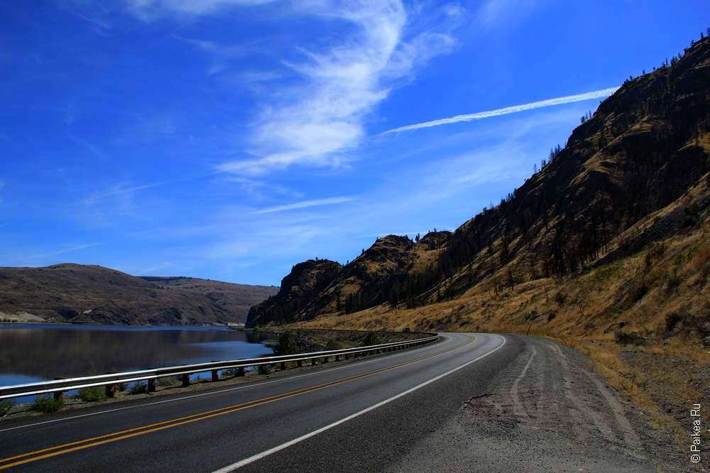 Штата Вашингтон - дорога вдоль озера