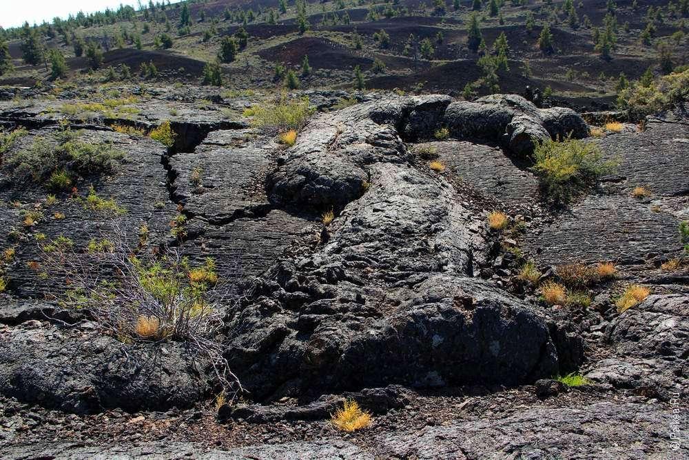 Волна из лавы в Лунных кратерах