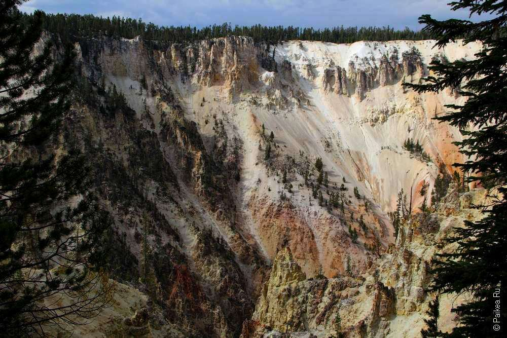 Разные цвета в каньоне