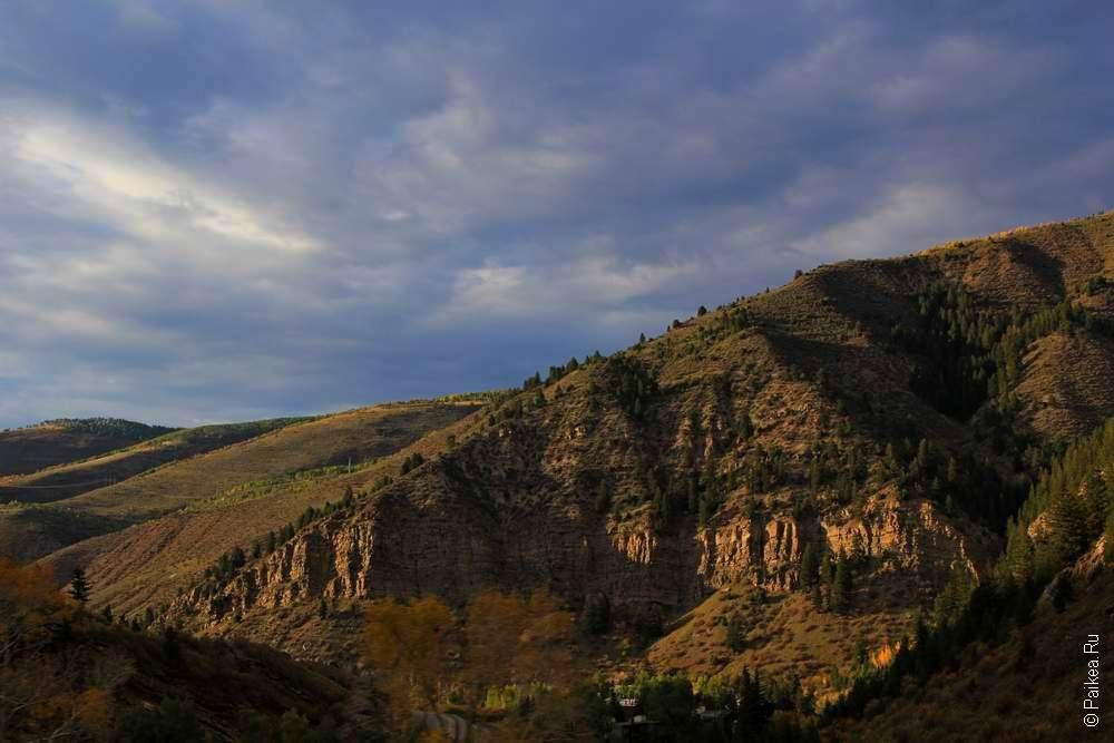 Только небо и скалистые горы