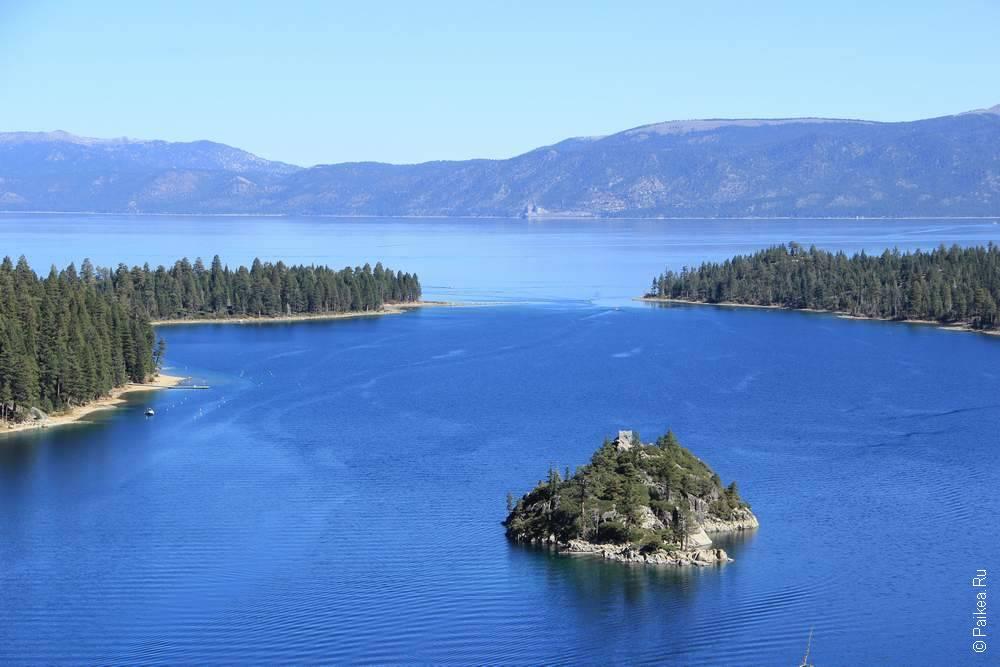 остров посреди озера Тахо