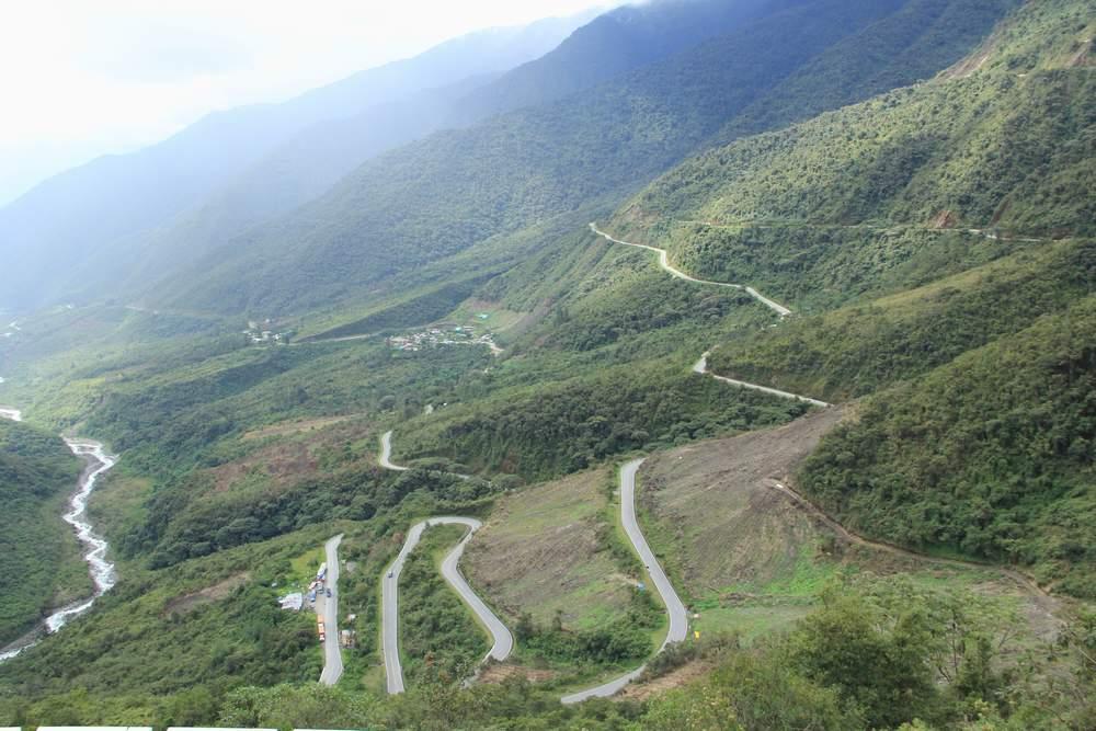Горный серпантин в Перу