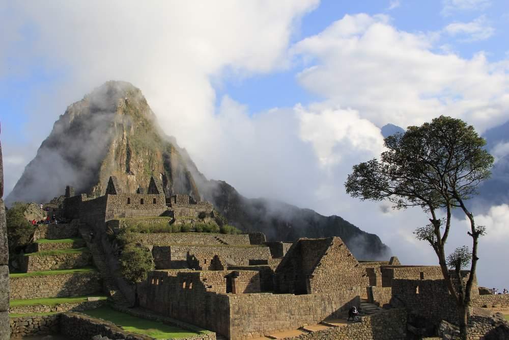 Мачу-Пикчу в утреннем тумане